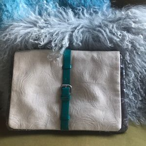 Zara clutch- like new!